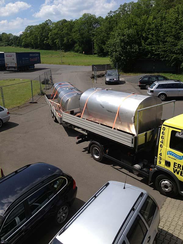 Trinkwassertanks Anlieferung
